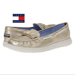 TOMMY HILFIGER LHANI Gold Beige Boat Shoes
